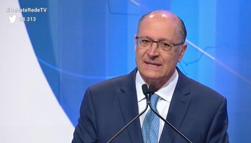 Na primeira etapa do debate, os candidatos tiveram 45 segundos, cada, para responderem à pergunta: ?Por que o senhor (a) quer ser presidente do Brasil??