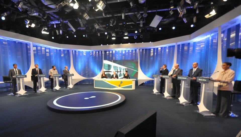 O combate ao desemprego e à corrupção foram temas de destaque no debate eleitoral com candidatos à Presidência da República realizado pela RedeTV!