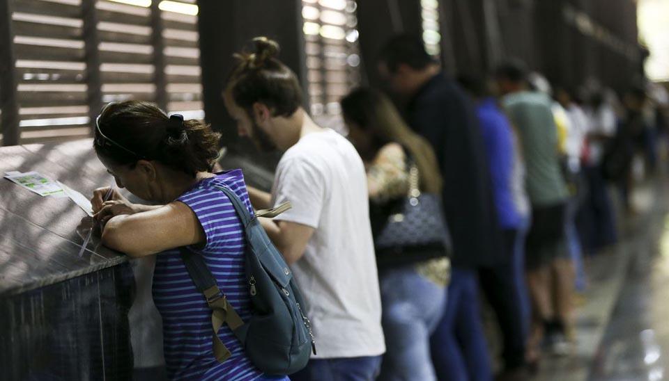 Eleitores justificam a ausência na votação em Brasília