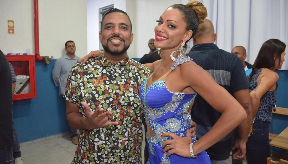 Ana Paula Evangelista caiu no samba na Beija-Flor de Nilópolis após participar do ensaio de rua da Unidos da Tijuca