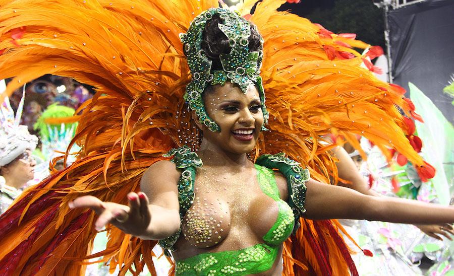 Destaque da X-9 Paulistana no desfile das escolas de samba de São Paulo