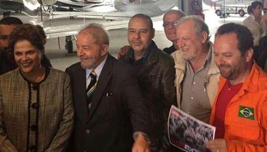 Lula e Dilma Rousseff na chegada em Curitiba - Foto: Instagram/CUT Brasil