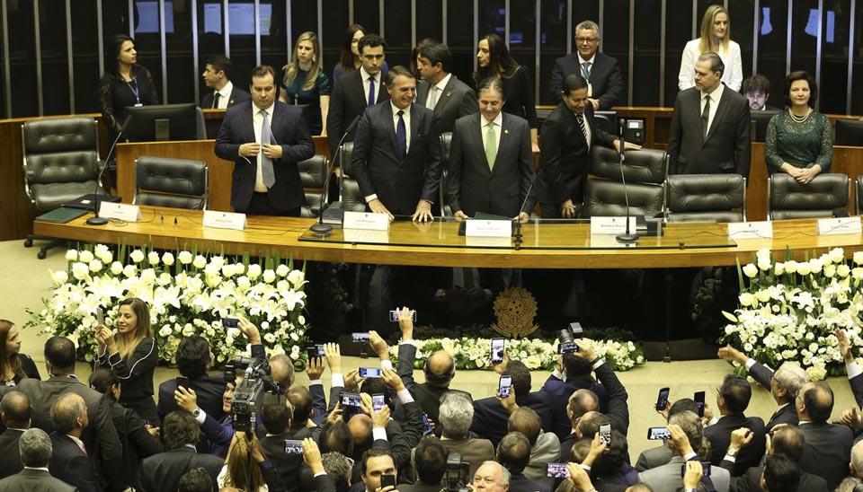 Jair Bolsonaro toma posse como presidente da República em cerimônia no Congresso Nacional