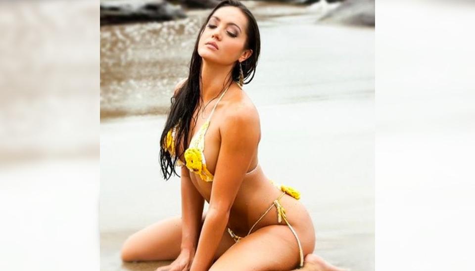 A modelo francesa Tahiti Cora provoca fãs nas redes sociais com fotos bem picantes
