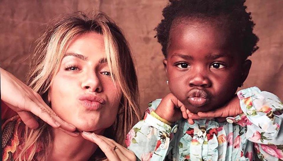Estilosa, Titi, filha de Giovanna Ewbank e Bruno Gagliasso, arranca elogios sempre que aparece na web