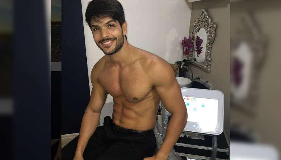 """Lucas: Ceará, 27 anos e empresário. O brother, que já trabalhou como modelo na adolescência, conta que passou por muitos """"perrengues"""" para conseguir seu próprio negócio"""