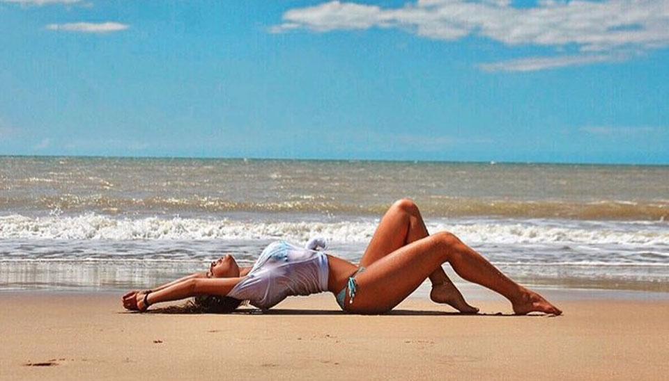 Campeã do BBB 17, Emilly Araújo segue aproveitando a vida após faturar prêmio de R$ 1,5 milhão