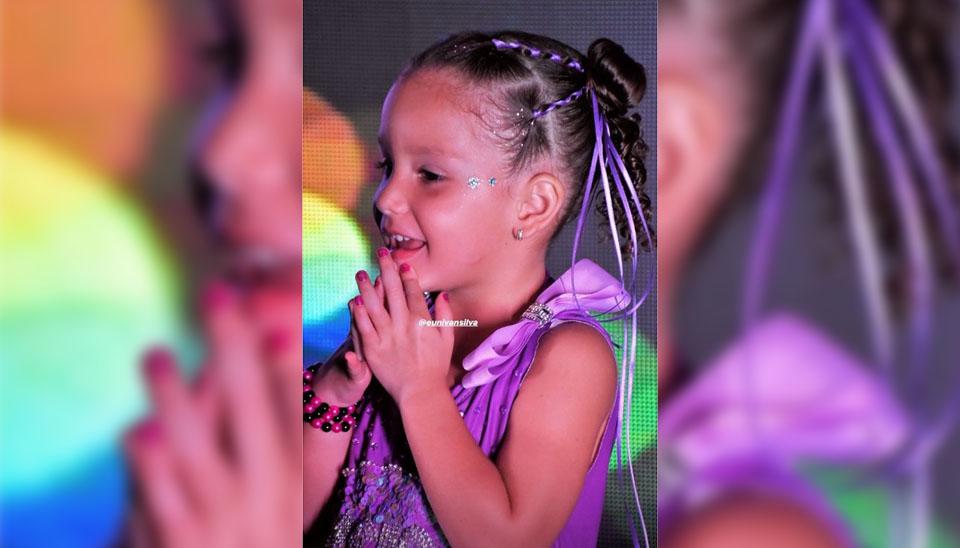 """Wesley Safadão e Thyane Dantas celebraram os quatro anos da filha Ysis com um festão em Fortaleza, no Ceará. O fotógrafo do evento divulgou fotos da festa com o tema """"Balada"""""""