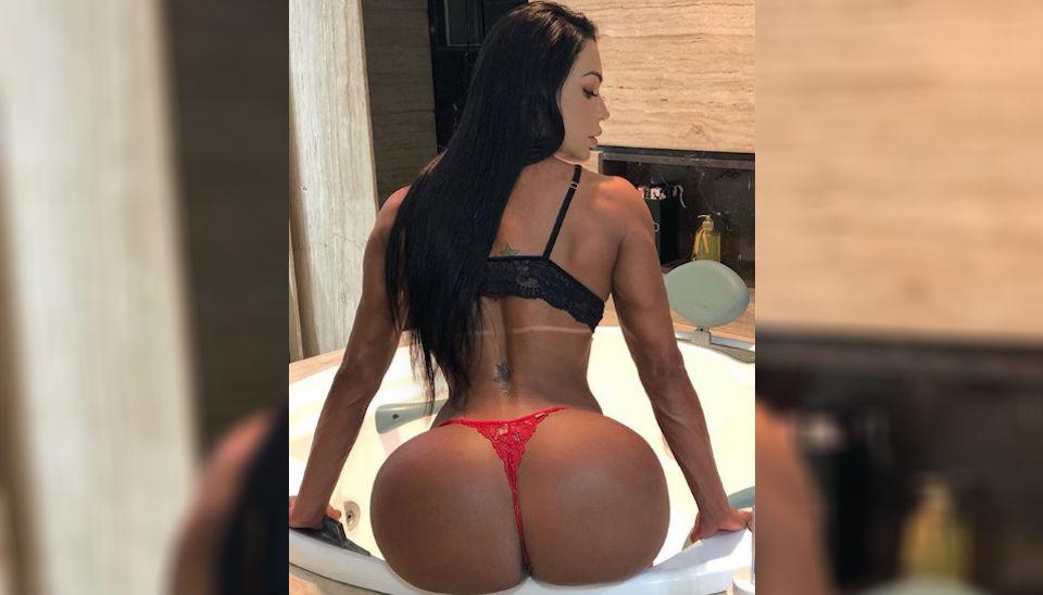 """Gracyanne Barbosa é conhecida como a musa fitness do """"bumbum na nuca"""" e mantém essa reputação intacta cada vez que posta fotos do corpão em seu perfil no Instagram."""