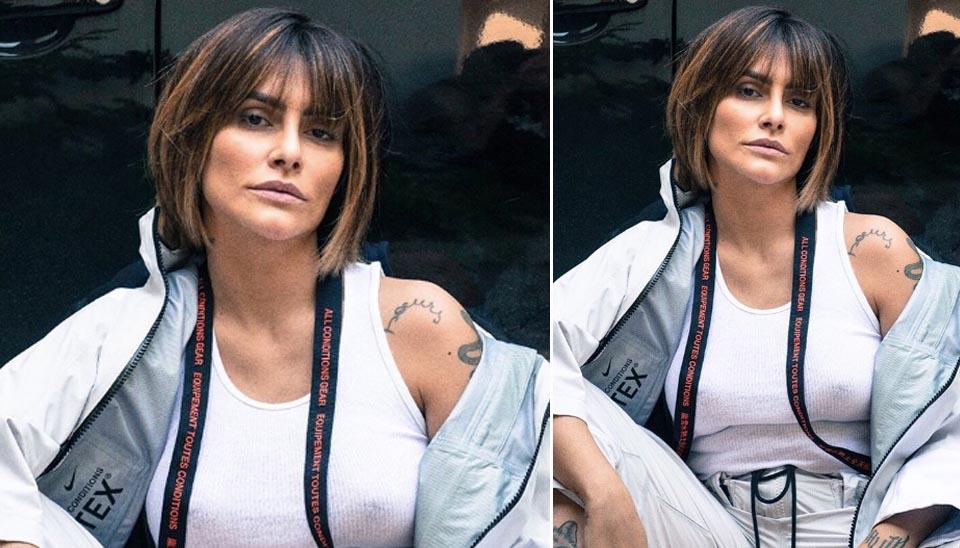 """Sempre muito autêntica, Cleo não ficaria fora dessa galeria. Em um clique fazendo """"carão"""", a atriz roubou os holofotes com a transparência de sua blusa branca."""