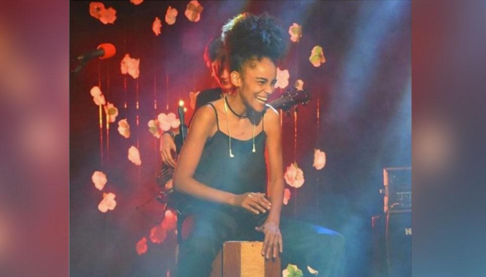 Gabriela Hebling, de 32 anos, é designer gráfica e percussionista. Nascida em São Paulo, a participante é fã de Beyoncé e faz parte de um grupo musical formado só por mulheres.