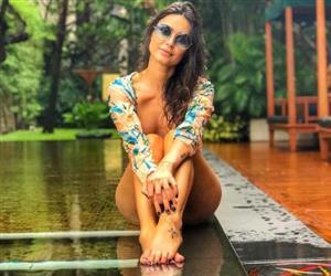 Thaila Ayala abusa da sensualidade e estilo em viagem pela Tailândia