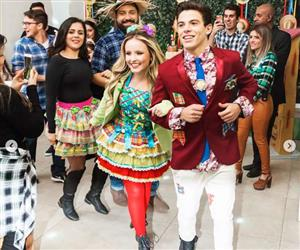 Larissa Manoela se diverte em festa de aniversário de Thomaz Costa; veja fotos