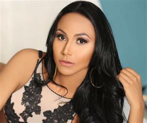 Musa fitness Jessica Felix sensualiza com lingerie 'picante'