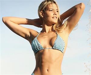 """Patrícia Parada exibe corpo impecável e diz: """"Deixar de treinar para mim é como deixar de comer"""""""