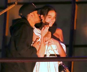 Bruna Marquezine e Neymar curtem domingo agarradinhos no Rio