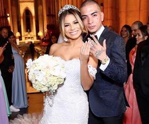 Famosos prestigiam casamento da cantora Lexa e MC Guimê