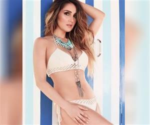 """Dulce María completa 33 anos: confira """"flagras"""" sensuais da eterna musa do RBD"""