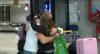 Kaysar Dadour agita aeroporto em reencontro com a família no Brasil