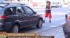 Artista de rua sem prática irrita motoristas