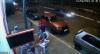 Roda de carro em alta velocidade se solta e atinge homem com muletas