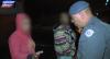 Casal de traficantes tenta fugir da polícia e esconde drogas em telhado