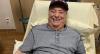 "Raul Gil comemora alta hospitalar após ter diverticulite: ""Graças a Deus"""