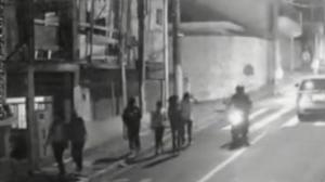 Jovem é baleada em assalto na saída da escola em Carapicuíba (SP)