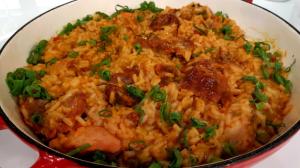 Veja como preparar paella natalina e galinhada espanhola