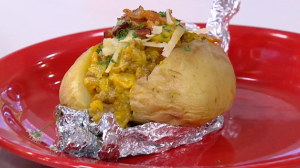 Edu Guedes ensina como preparar receitas variadas com batatas