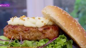 Edu Guedes prepara receitas de sanduíches de carne suína