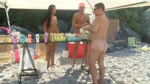 Única praia de nudismo da cidade do RJ tem fiscais para garantir nudez