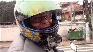 """""""Quem mais oferece perigo é o desatento"""", diz motofretista sobre carros"""