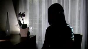 """""""Não entendia, só pedia pra ele parar"""", diz menina estuprada aos oito anos"""