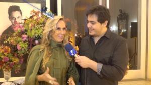 Helô Pinheiro afirma que não sabe motivo pelo qual filha terminou namoro