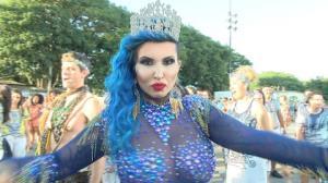Sabrina Boing Boing revela que aplicou botox na sola do pé para o Carnaval