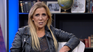 """Rita Cadillac lembra tempos de chacrete: """"A vida inteira me reinventei"""""""