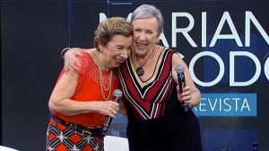 """'As Galvão' emocionam Mariana Godoy e plateia ao cantar """"Beijinho Doce"""""""