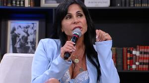 Gretchen confessa que já namorou homens mais jovens e critica hipocrisia