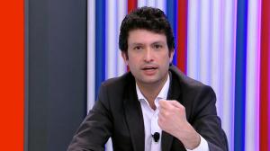 """Incerteza política acaba afastando investimentos"", analisa economista"