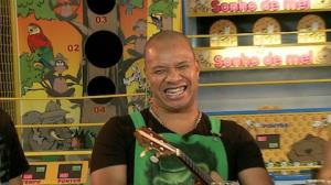 Anderson, do Molejo, mostra talento para imita��o de outros cantores (3)
