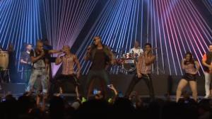 Grupo Molejo confessa que n�o ensaiou dan�a para gravar com L�o Santana (5)