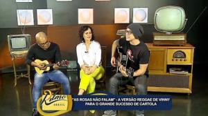 Vinny canta sucesso de Carlota em ritmo de reggae