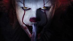 Bill Skarsgard assusta com careta do palhaço de It sem a maquiagem