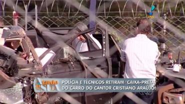 Pol�cia retira 'caixa-preta' do carro de Cristiano Ara�jo (3)