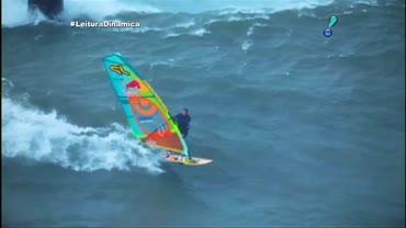 Australiano � primeiro homem a desafiar ondas gigantes no windsurfe