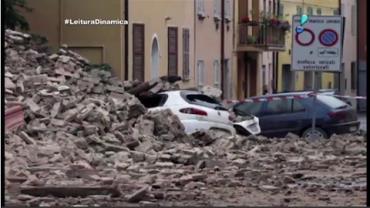 Terremoto de 6,2 graus causa destrui��o e mortes na It�lia