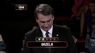 Jair Bolsonaro se atrapalha ao dar dica da palavra gazela:
