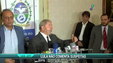 Lula se re�ne com Dilma e n�o comenta suspeitas na Lava Jato