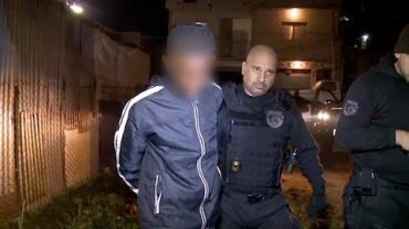 Traficante � preso ao ser flagrado com drogas escondidas em matagal